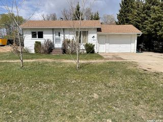 Photo 1: 410 Centre Street in Middle Lake: Residential for sale : MLS®# SK854846