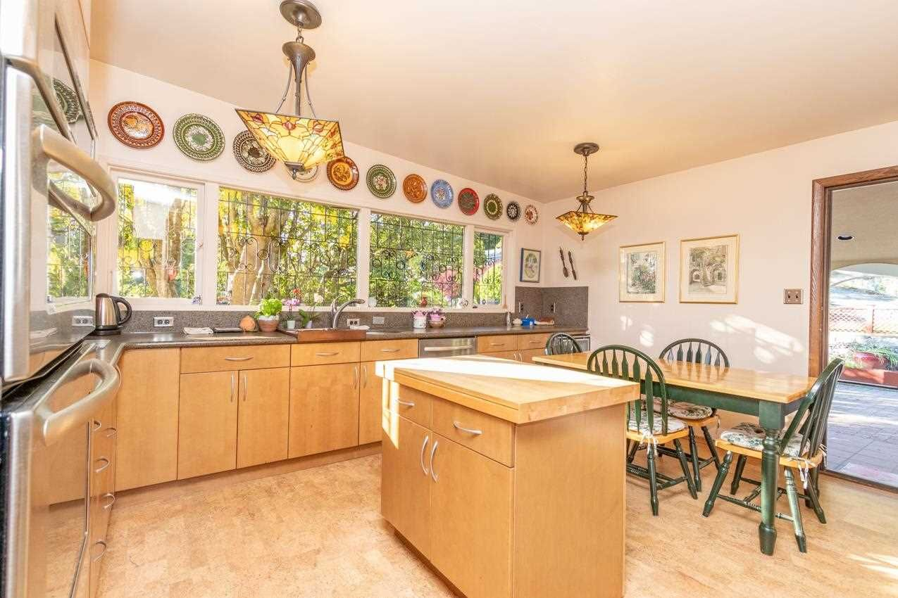 Photo 14: Photos: 385 MONTERAY Avenue in North Vancouver: Upper Delbrook House for sale : MLS®# R2582994