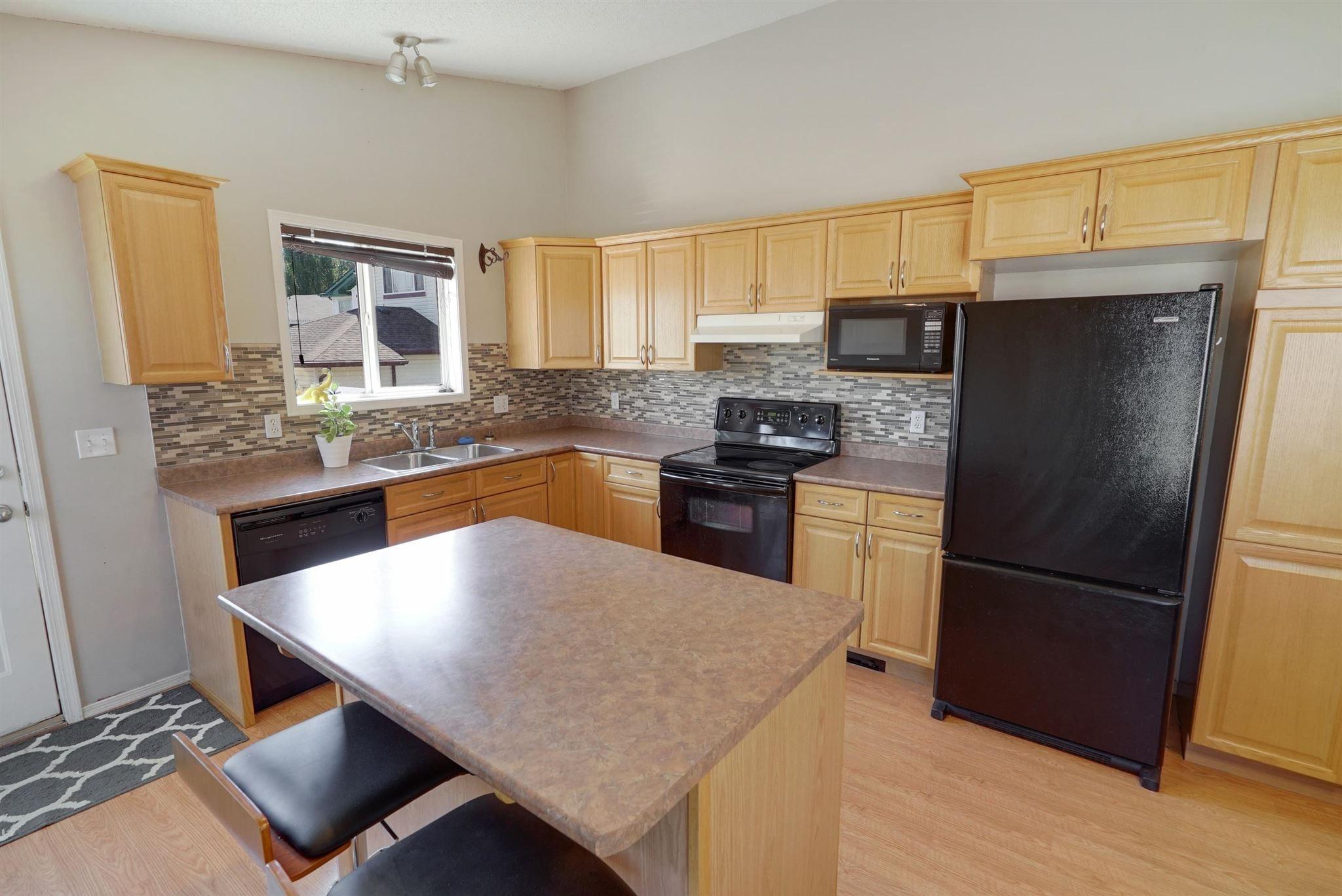 Main Photo: 35 BRIARWOOD Way: Stony Plain House for sale : MLS®# E4253377