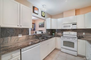 """Photo 16: 304 2271 BELLEVUE Avenue in West Vancouver: Dundarave Condo for sale in """"Rosemont"""" : MLS®# R2618962"""