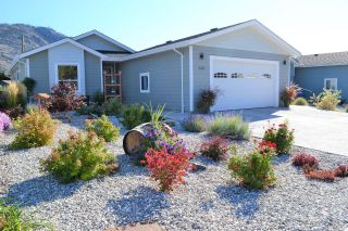 Photo 1: #124 8300 GALLAGHER LK FRONTAGE Road, in Oliver: House for sale : MLS®# 191726