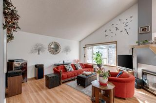 Photo 8: 63 Douglas Glen Place SE in Calgary: Douglasdale/Glen Detached for sale : MLS®# A1079708
