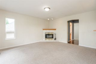 Photo 8: 6219 192 Street in Surrey: Cloverdale BC House for sale (Cloverdale)  : MLS®# R2388861