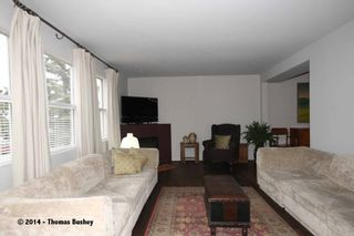 Photo 3: 529 32 AVE NE in CALGARY: Winston Heights_Mountview House for sale (Calgary)  : MLS®# C3611929