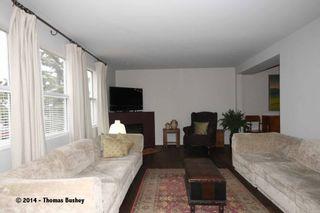 Photo 3: 529 32 AVE NE in CALGARY: Winston Heights_Mountview House for sale (Calgary)  : MLS®# C3611929