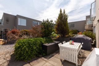 "Photo 11: 326 1979 YEW Street in Vancouver: Kitsilano Condo for sale in ""CAPERS"" (Vancouver West)  : MLS®# R2566048"