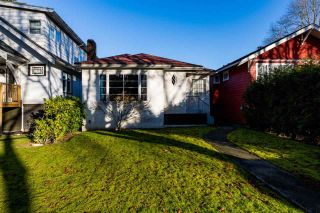 "Photo 2: 3355 W 12TH Avenue in Vancouver: Kitsilano House for sale in ""Kitsilano"" (Vancouver West)  : MLS®# R2536590"