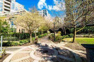 """Photo 19: 804 151 W 2ND Street in North Vancouver: Lower Lonsdale Condo for sale in """"SKY"""" : MLS®# R2260596"""