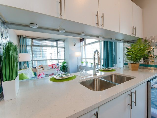 Main Photo: 602 438 SEYMOUR Street in Vancouver: Downtown VW Condo for sale (Vancouver West)  : MLS®# R2092388