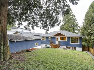 Photo 3: 1920 Ridgeway Avenue in North Vancouver: Central Lonsdale House  : MLS®# R2147491