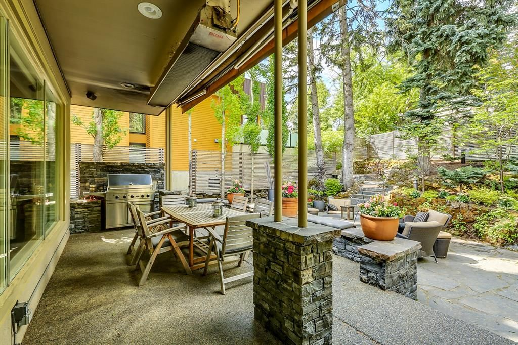 Photo 16: Photos: 2207 Amherst Street SW in Calgary: Upper Mount Royal Detached for sale : MLS®# A1062156
