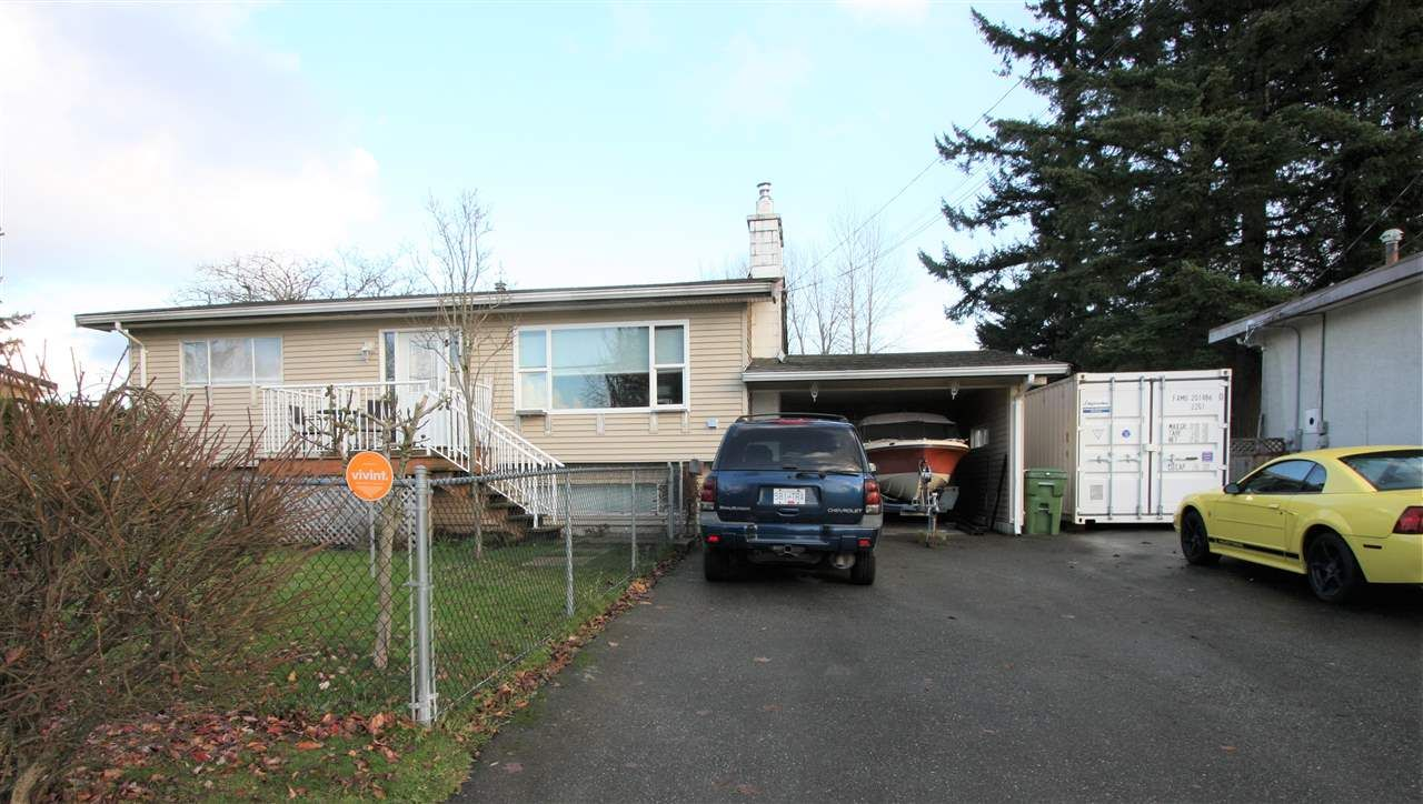 """Main Photo: 10144 WEDGEWOOD Drive in Chilliwack: Fairfield Island House for sale in """"Fairfield"""" : MLS®# R2520603"""