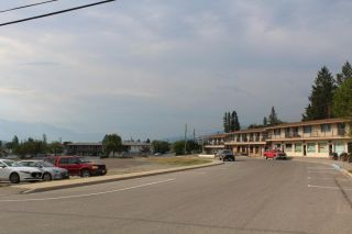 Photo 2: 1006 8TH AVENUE in Invermere: House for sale : MLS®# 2460047