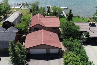Photo 1: 305 EAST CHESTERMERE Drive: Chestermere Detached for sale : MLS®# A1120033