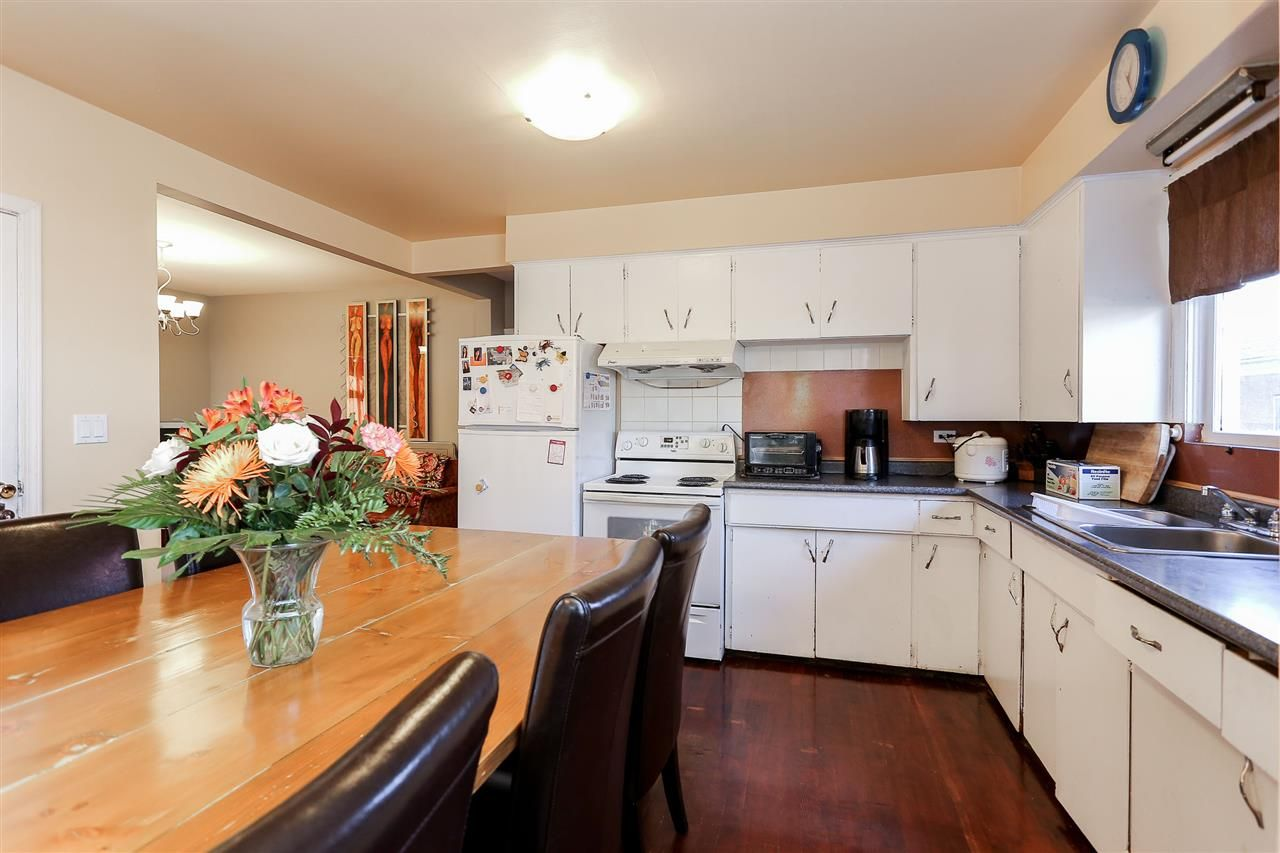 Photo 10: Photos: 4420 NANAIMO Street in Vancouver: Collingwood VE House for sale (Vancouver East)  : MLS®# R2006921