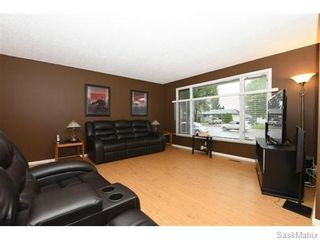 Photo 4: 1026 DOROTHY Street in Regina: Normanview West Single Family Dwelling for sale (Regina Area 02)  : MLS®# 544219