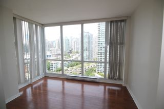 """Photo 13: 2006 1077 MARINASIDE Crescent in Vancouver: Yaletown Condo for sale in """"MARINASIDE RESORT"""" (Vancouver West)  : MLS®# R2074726"""