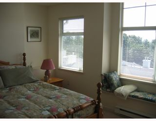 """Photo 5: 3 3576 MARINE Drive in Vancouver: Champlain Heights Townhouse for sale in """"THE SIERRA"""" (Vancouver East)  : MLS®# V782913"""