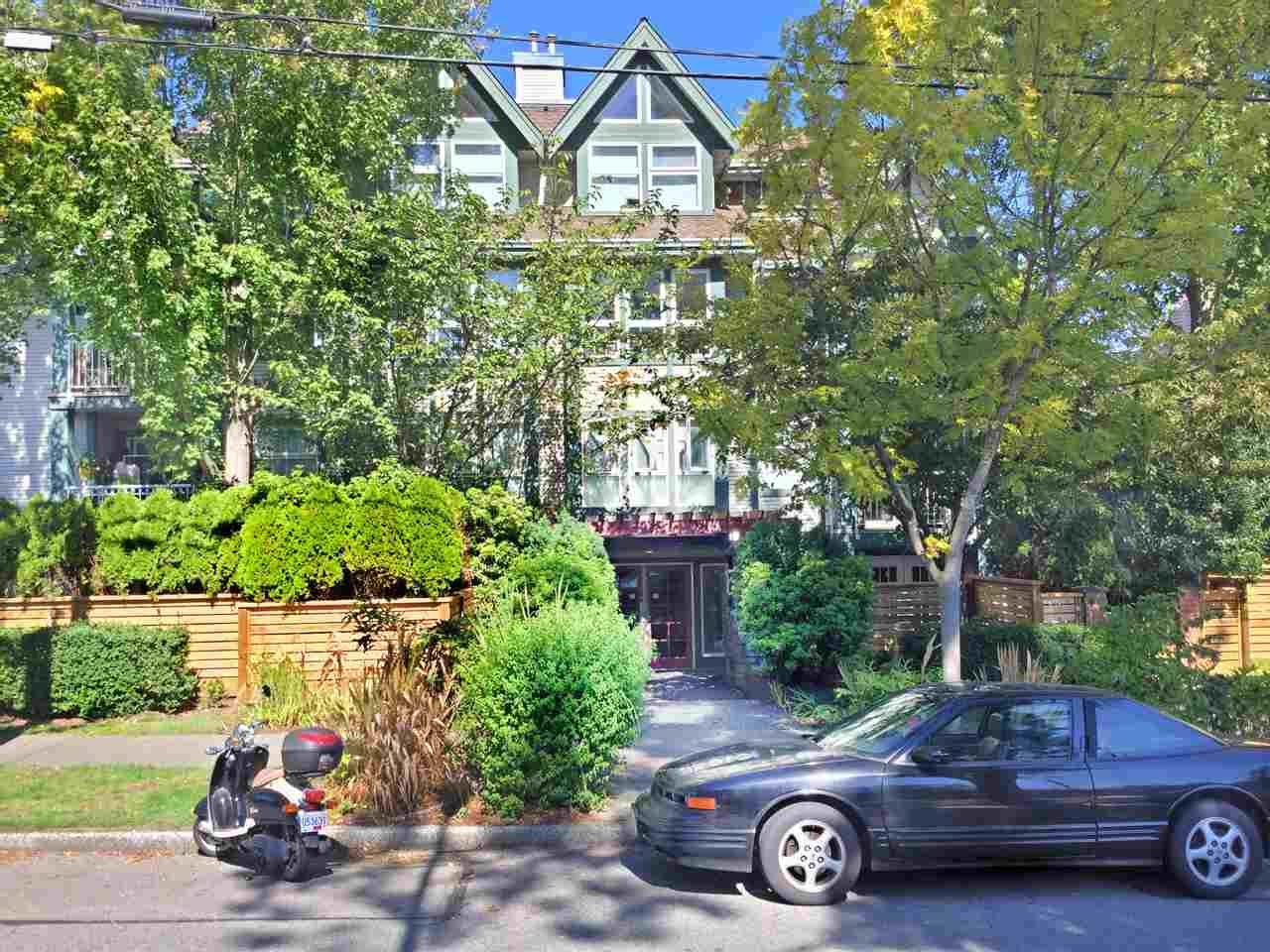 Main Photo: 202 1915 E GEORGIA STREET in : Hastings Condo for sale (Vancouver East)  : MLS®# R2000271