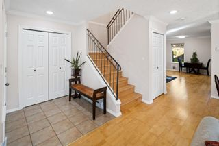 Photo 3: 1230 Lyall St in Esquimalt: Es Saxe Point Half Duplex for sale : MLS®# 888282