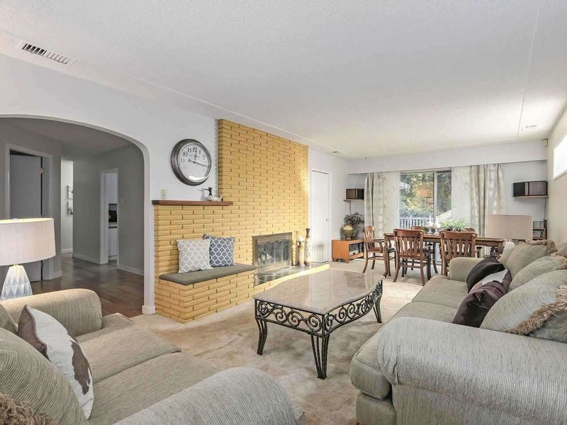 FEATURED LISTING: 3480 VALE Court North Vancouver