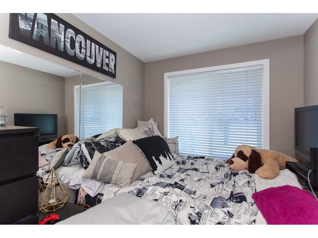 """Photo 17: Photos: 412 33960 OLD YALE Road in Abbotsford: Central Abbotsford Condo for sale in """"Old Yale Heights"""" : MLS®# R2241666"""