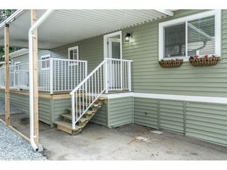 """Photo 8: 14 24330 FRASER Highway in Langley: Otter District Manufactured Home for sale in """"Langley Grove Estates"""" : MLS®# R2518685"""
