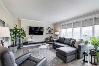 Photo 3: 16105 87A Avenue NW in Edmonton: Zone 22 House for sale : MLS®# E4245666