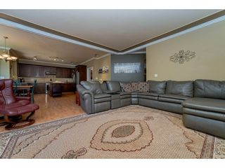Photo 7: 6878 198B Street in Langley: Willoughby Heights House for sale : MLS®# R2189371