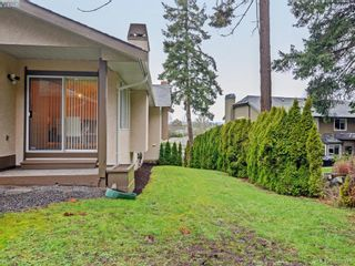 Photo 18: 4352 Parkwood Terr in VICTORIA: SE Broadmead Half Duplex for sale (Saanich East)  : MLS®# 780519
