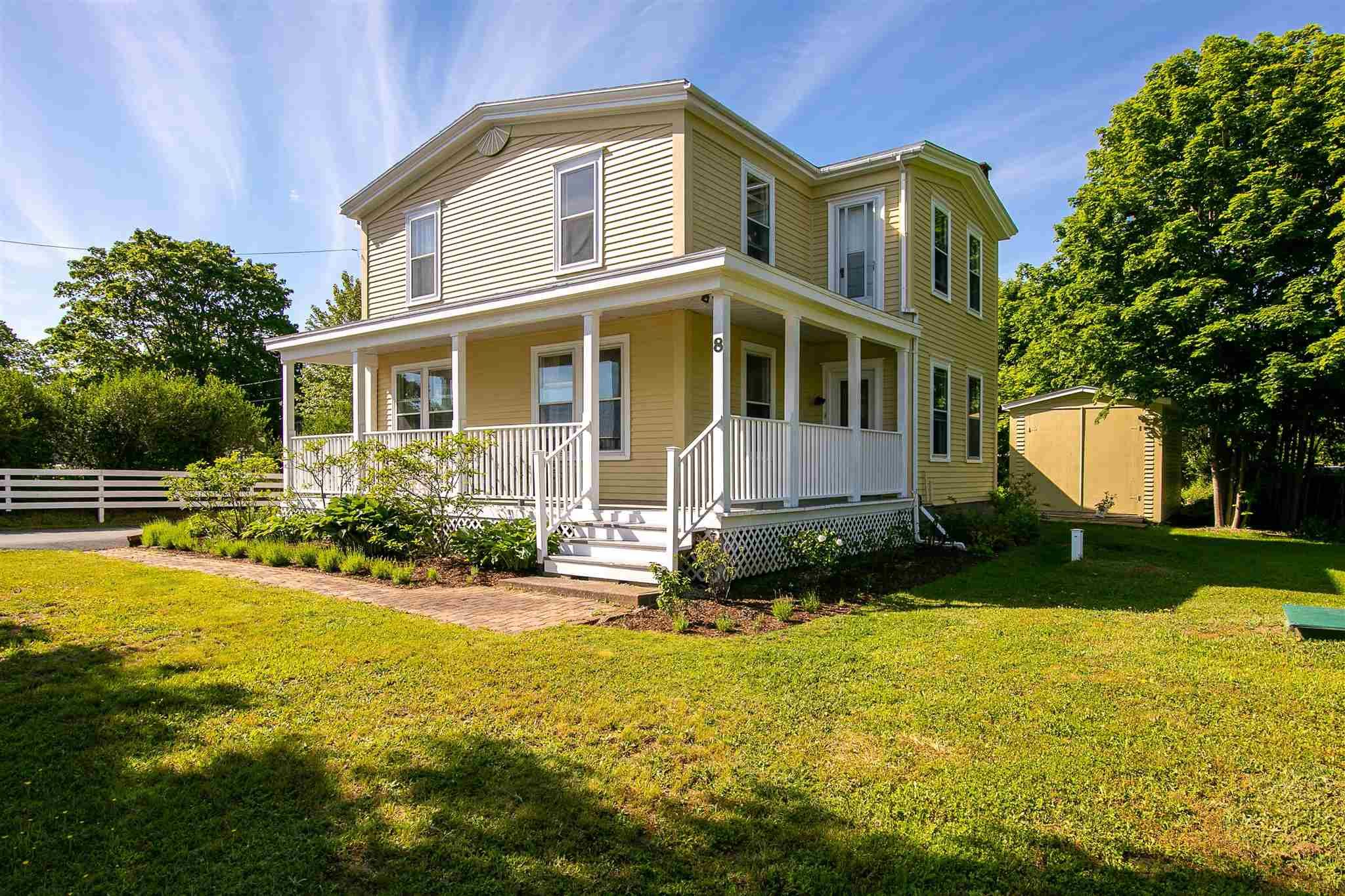 Main Photo: 8 Fort Point Road in Lahave: 405-Lunenburg County Residential for sale (South Shore)  : MLS®# 202115900