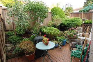 Photo 9: 13 230 W 14TH STREET in North Vancouver: Central Lonsdale Townhouse for sale : MLS®# R2110491