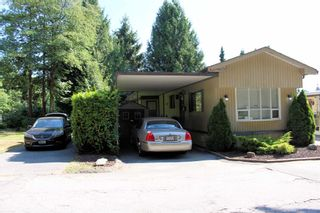 """Photo 2: 5 21163 LOUGHEED Highway in Maple Ridge: Southwest Maple Ridge Manufactured Home for sale in """"VAL MARIA MOBILE HOME PARK"""" : MLS®# R2598926"""