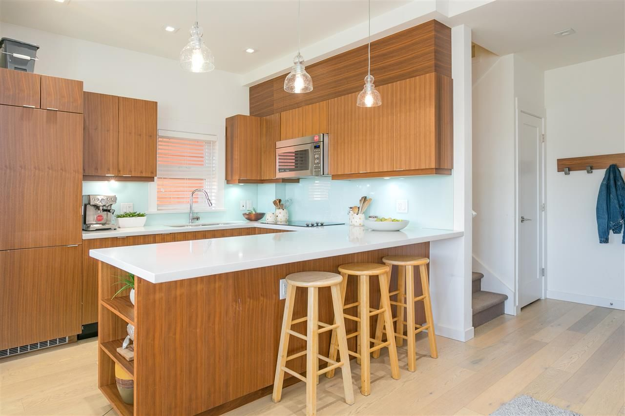 Main Photo: 729 UNION STREET in Vancouver: Mount Pleasant VE Townhouse for sale (Vancouver East)  : MLS®# R2265478