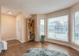 Photo 4: 26 River Rock Way SE in Calgary: Riverbend Detached for sale : MLS®# A1147690