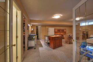 Photo 18: 9 300 Plaskett Pl in VICTORIA: Es Saxe Point House for sale (Esquimalt)  : MLS®# 784553