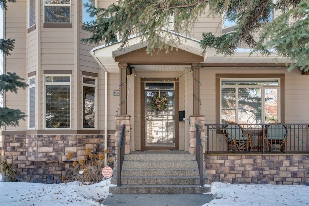 Main Photo: 2003 41 Avenue SW in Calgary: Altadore Detached for sale : MLS®# A1071067