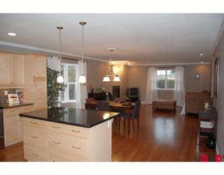 Photo 3: 7684 CEDAR Street in Mission: Mission BC House for sale : MLS®# F2903727