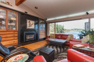 Photo 3: 2775 Shoreline Dr in VICTORIA: VR Glentana House for sale (View Royal)  : MLS®# 783259