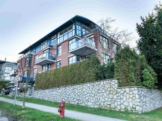 """Photo 4: 101 1725 BALSAM Street in Vancouver: Kitsilano Condo for sale in """"Balsam House"""" (Vancouver West)  : MLS®# R2454346"""