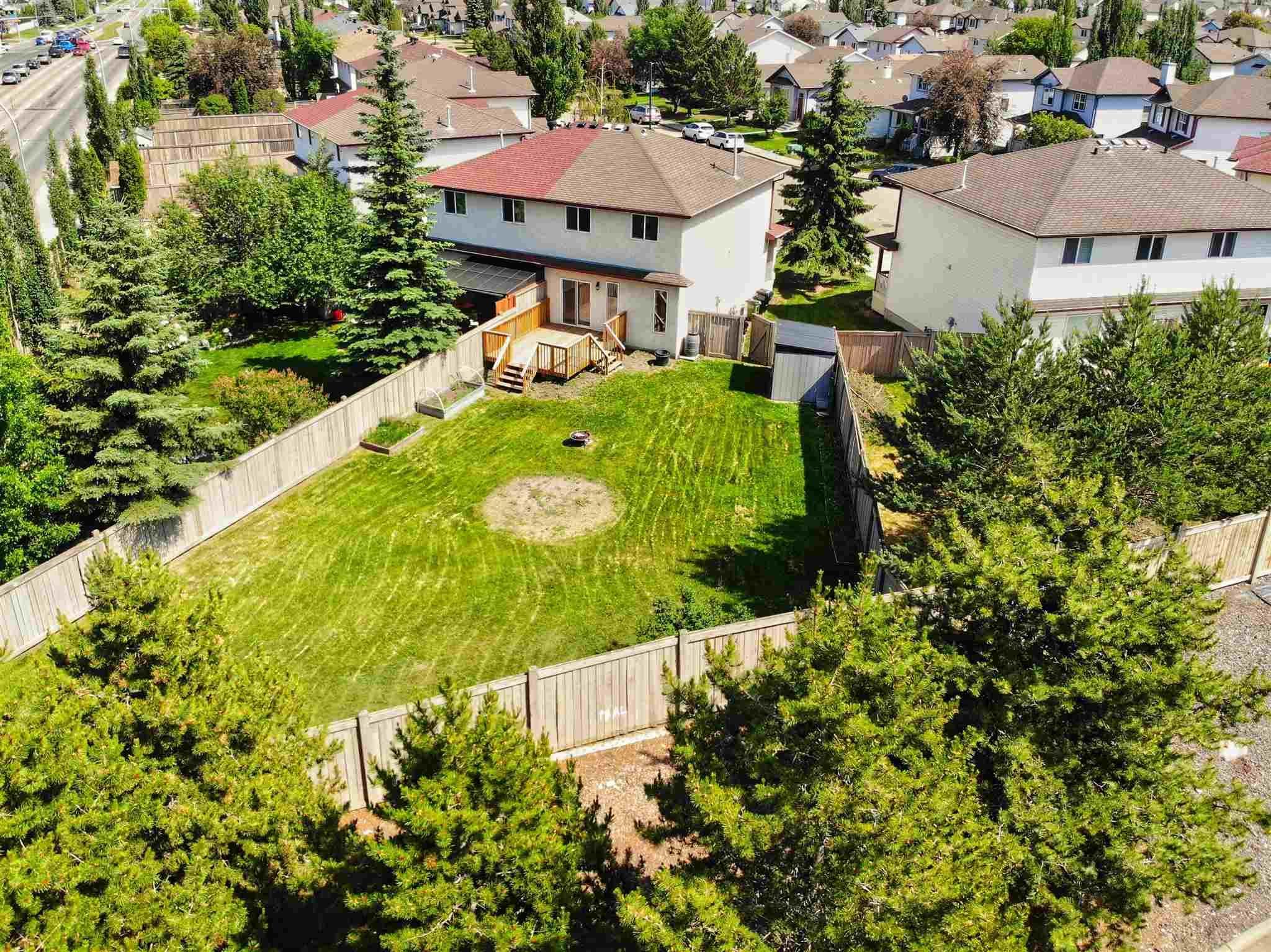 Main Photo: 9150 166 Avenue in Edmonton: Zone 28 House Half Duplex for sale : MLS®# E4251523