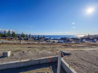 """Main Photo: 5632 DERBY Road in Sechelt: Sechelt District House for sale in """"SilverStone Heights"""" (Sunshine Coast)  : MLS®# R2539625"""