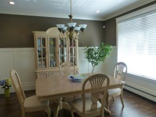 Photo 10: 15487 THRIFT Avenue: White Rock House for sale (South Surrey White Rock)  : MLS®# R2011959