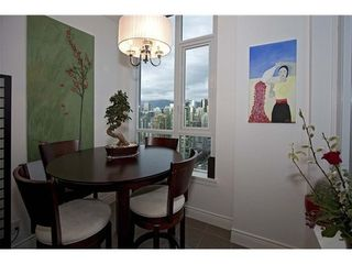 Photo 8: 3203 388 DRAKE Street in Vancouver West: Home for sale : MLS®# V1048992