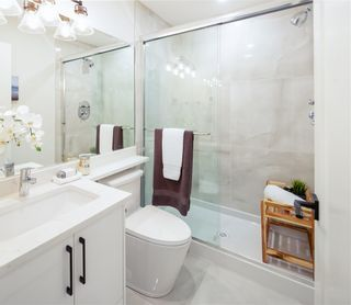 Photo 8: 6495 WALKER Avenue in Burnaby: Upper Deer Lake 1/2 Duplex for sale (Burnaby South)  : MLS®# R2439184
