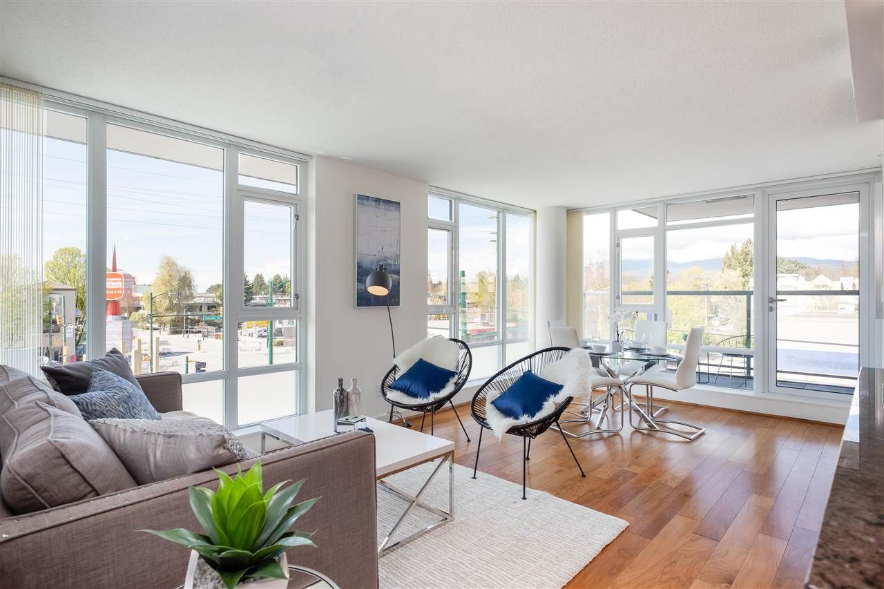 Main Photo: 365 2080 W BROADWAY in Vancouver: Kitsilano Condo for sale (Vancouver West)  : MLS®# R2380022
