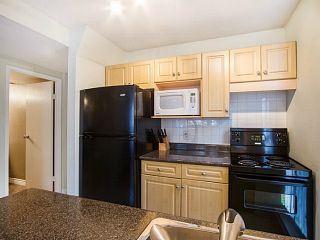 """Photo 13: 109 950 DRAKE Street in Vancouver: Downtown VW Condo for sale in """"ANCHOR POINT"""" (Vancouver West)  : MLS®# R2401708"""