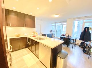 """Photo 3: 1902 821 CAMBIE Street in Vancouver: Downtown VW Condo for sale in """"RAFFLES"""" (Vancouver West)  : MLS®# R2432183"""