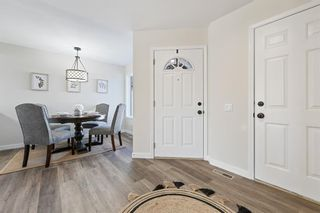 Photo 10: 7 Silvergrove Close NW in Calgary: Silver Springs Row/Townhouse for sale : MLS®# A1150869