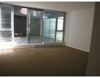 """Photo 6: 511 788 HAMILTON Street in Vancouver: Downtown VW Condo for sale in """"TV TOWER 1"""" (Vancouver West)  : MLS®# V785901"""